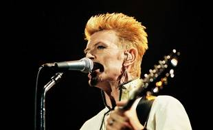 Le chanteur David Bowie.