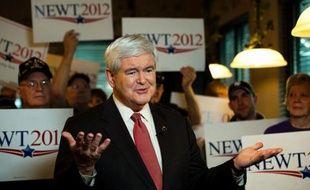 La bataille pour l'investiture républicaine à la présidentielle de novembre se déplaçait dimanche vers la Floride, nouvel épicentre de la course à la Maison Blanche, au lendemain de la victoire écrasante de Newt Gingrich en Caroline du Sud.
