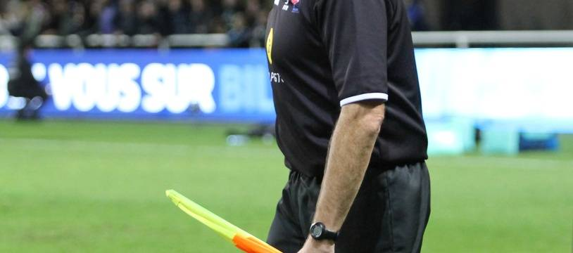 Illustration d'un arbitre de rugby.
