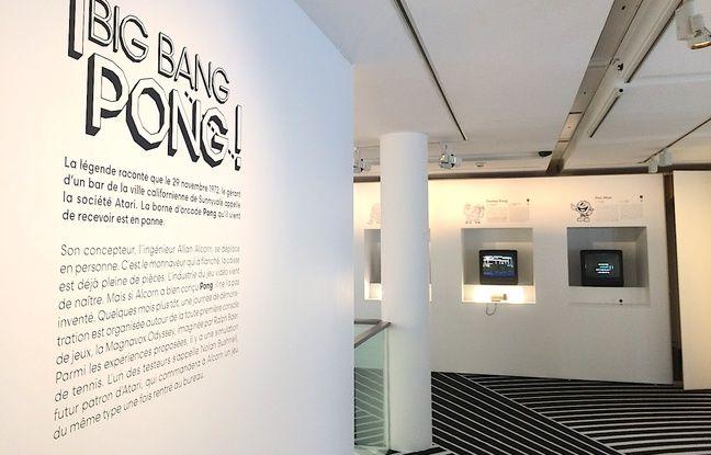 A l'étage une collection de jeux vidéo antiques dont le célèbre Pong auquel on peut librement s'essayer.