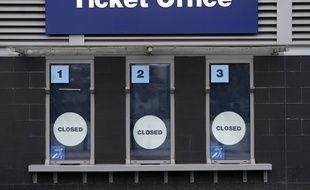 Les points de vente de tickets fermés à l'Etihad Stadium de Manchester City, le 14 mars 2020.