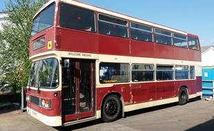 Nord Ils Vont Transformer Un Vieux Bus Anglais En Chambres D Hotes