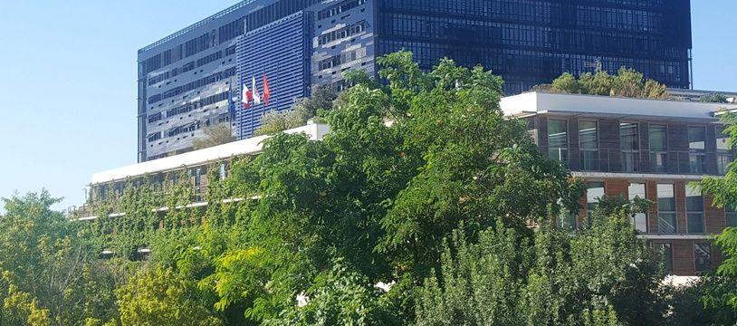 La mairie de Montpellier, objet de toutes les convoitises.