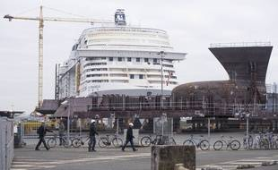 Les chantiers navals STX à Saint-Nazaire.