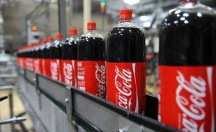 Des bouteilles de coca-cola dans une usine à Castanet-Tolosan le 6 juillet 2009