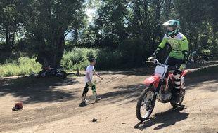 La mairie de Vaulx-en-Velin propose des stages de motocross à ses jeunes pour endiguer les rodéos urbains.