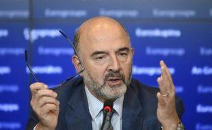 Le Commissaire européen aux Affaires économiques, Pierre Moscovici, lors d'une conférence de presse, le 5 octobre 2015 à Luxembourg