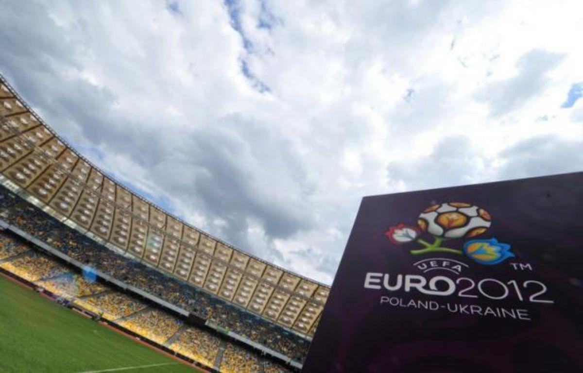 L'Ukraine et la Pologne ont réagi mardi chacune à leur façon, la première montrant les dents, la seconde plus diplomatique, aux accusations de racisme autour du foot lancées dans une émission de la BBC avec l'ex-capitaine anglais Sol Campbell, à dix jours de l'Euro-2012. – Sergei Supinsky afp.com