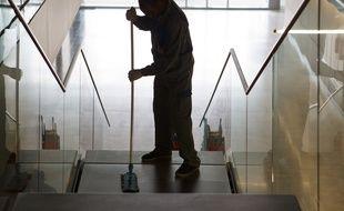Un nettoyage des lieux va se dérouler sur plusieurs jours, afin d'identifier l'origine exacte de l'odeur (illustration)
