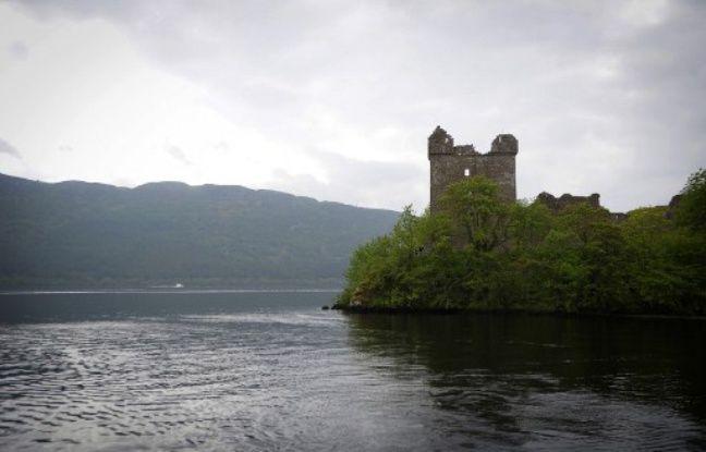 Le Loch Ness, dans les Hghlands d'Ecosse. Ses eaux sombres et profondes abritent-elles un monstre?