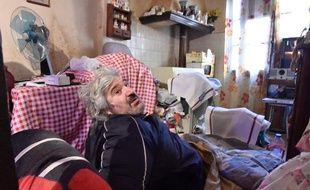 Alain Panabiere est bloqué chez lui depuis sa chute, en juillet 2019.