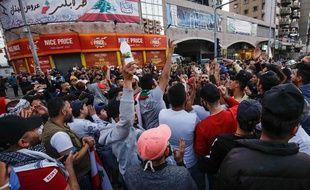 Des manifestants à Tripoli au Liban le 17 avril 2020.