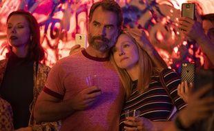 Murray Bartlett (Michael Tolliver) et Laura Linney (Mary-Ann Singleton) dans «Les Chroniques de San Francisco» sur Netflix.