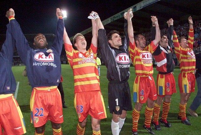 La joie des Lensois, champions de France le 9 mai 1998 à Auxerre.