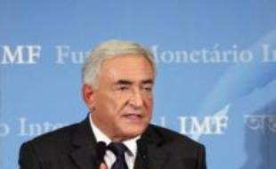 """Dominique Strauss-Kahn, qui succédera à Rodrigo Rato à la tête du Fonds monétaire international (FMI) au 1er novembre, a estimé que la crise des """"subprime"""" ne devrait pas avoir d'""""effets dramatiques"""" sur la croissance et que les bases de la croissance mondiale étaient """"solides""""."""