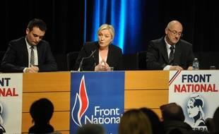 Florian Philippot, vice-président du FN (à gauche), Marine Le Pen, présidente du FN, le 9 mars 2015 à Metz.