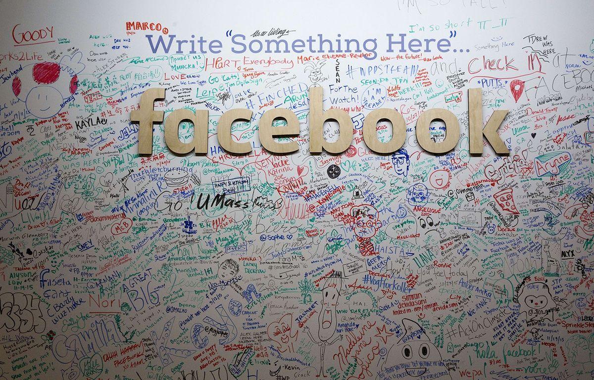 Un «signature wall» dans les locaux new-yorkais de Facebook, le 18 février 2016. – Mary Altaffer/AP/SIPA