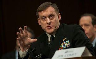 Le patron de l'agence de renseignement américain février e NSA Michael Rogers devant le sénat américain le 9 février 2016 à Washington
