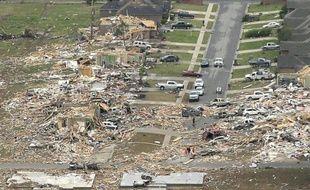 Des maisons détruites par une tornade, à Vilonia, dans l'Arkansas, le 27 avril 2014.