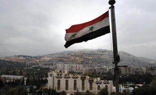 Un drapeau syrien, le 12 décembre 2013 à Damas.