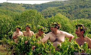 Les jeunes agriculteurs ont longtemps hésité avant de poser nus, mais ils souhaitent avant tout changer le regard des gens sur leur métier.
