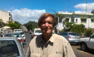 Blaine Gibson pose pour une photo à Maputo, au Mozambique, le 3 mars 2016.