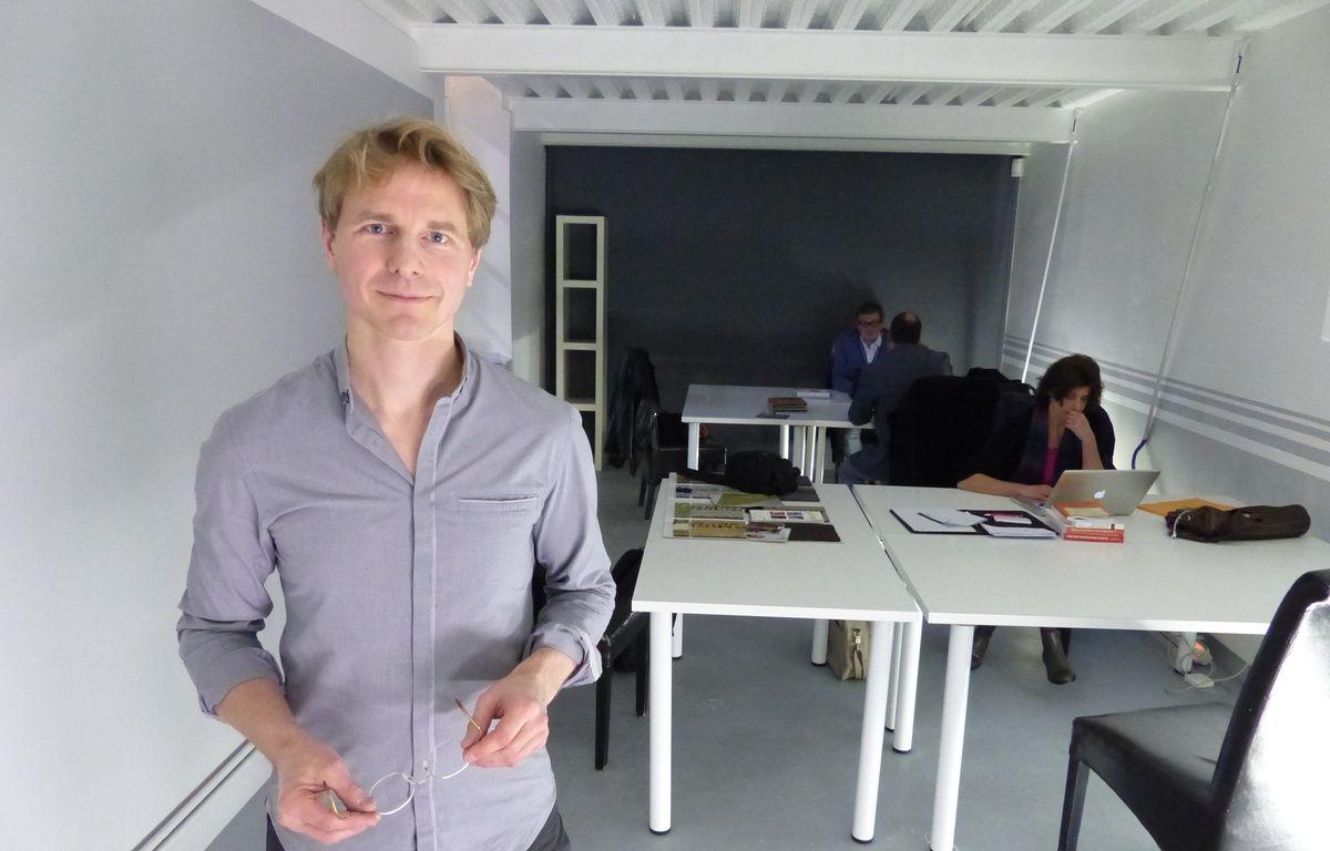 Benoît Delol a ouvert début janvier Mon premier bureau, un espace de coworking solidaire dans l'ancien hôpital Saint-Vincent de Paul. – F. Pouliquen / 20 Minutes