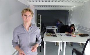 Benoît Delol a ouvert début janvier Mon premier bureau, un espace de coworking solidaire dans l'ancien hôpital Saint-Vincent de Paul.