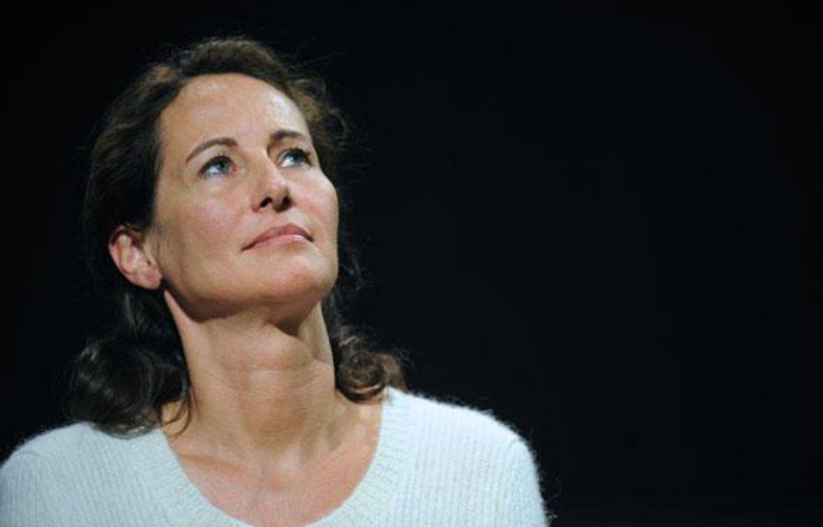 Ségolène Royal, lors de l'assemblée générale de Désirs d'avenir, le 28 mars 2009 au théâtre Dejazet, à Paris. – BORIS HORVAT / AFP