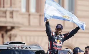 Le Qatari Nasser Al-Attiyah, lors du départ du Dakar à Buenos Aires, le 3 janvier 2015.