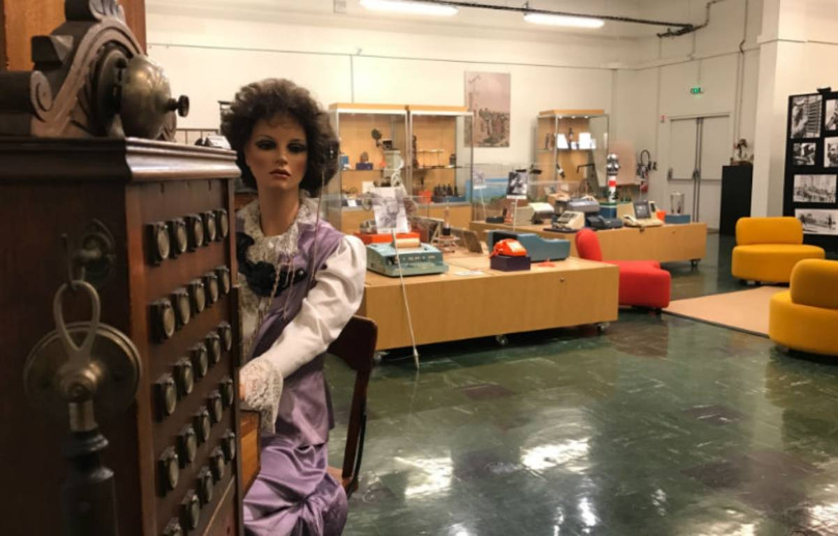 La Collection historique du groupe Orange regroupe 11.000 objets. – CHRISTOPHE SEFRIN/20 MINUTES
