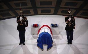 Le cercueil de Maurice Genevoix au Panthéon, le 11 novembre 2020.