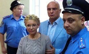 L'ex-Premier ministre ukrainien Ioulia Timochenko au tribunal de Kiev (Ukraine), le 11 octobre 2011.