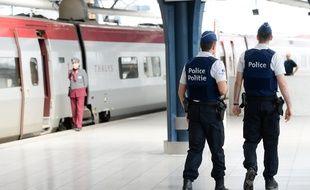 Des policiers belges à Bruxelles le 24 août 2015.