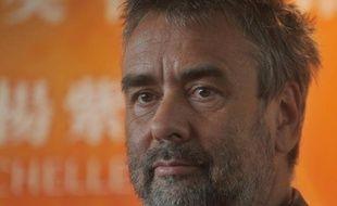 Le cinéaste Luc Besson envisage de lever de 25 à 30 millions d'euros pour recapitaliser Europacorp, sa société de production et de distribution cinématographique, en recourant à des modalités complexes pour limiter la dilution de sa participation, affirme mercredi l'Agefi.
