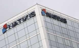 La banque Natixis, filiale du groupe mutualiste BPCE, a été condamnée jeudi à une amende de 7,5 millions d'euros et à l'indemnisation d'un certain nombre d'actionnaires, ayant été reconnue coupable d'information trompeuse durant la crise des subprimes.