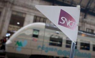 Le chiffre d'affaires de la SNCF a progressé de 3,7% sur les neuf premiers mois de l'année, soutenu par les infrastructures et les trajets quotidiens, même si la crise se fait sentir pour le fret et les déplacements professionnels, a annoncé vendredi le groupe.