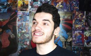 Alexandre Lafont, 20 ans, connaît bien l'épilepsie. C'est pourquoi il a décidé d'expliquer en vidéos sa maladie sur sa chaîne You Tube.