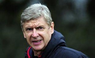 Arsène Wenger traverse sa pire période depuis le début de son règne à Arsenal il y a seize ans, et tout autre résultat qu'un succès à Reading lundi lors de la 17e journée de Premier League ferait monter d'un cran la pression sur les épaules du manager de plus en plus contesté.