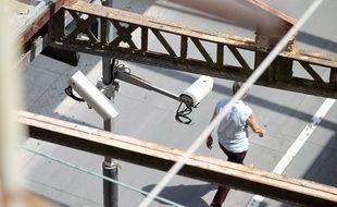 Deux caméras de vidéosurveillance, Illustration