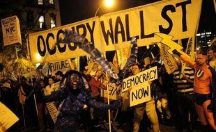 Le mouvement suscite autant l'intérêt pour les thèmes qu'il aborde - inégalités croissantes, pouvoir de la finance - que pour les produits dérivés qu'il pourrait générer, tee-shirts, casquettes, sacs et gadgets en tout genre.