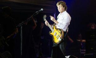 Paul McCartney sur la scène du Festival de Roskilde, le 4 juillet 2015, au Danemark