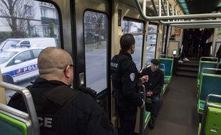 Seule la police nationale intervient dans les trams et bus nantais pour le moment