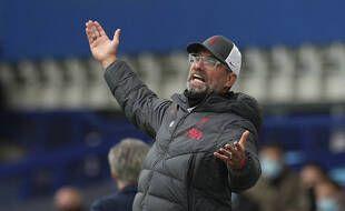Jurgen Klopp en colère après un but refusé à Liverpool pour un hors-jeu inexistant, le 17 octobre 2020.