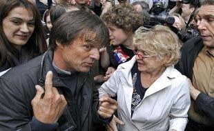 Nicolas Hulot et Eva Joly lors de la manifestation contre les gaz de schiste, le 10 mai 2011 à l'Assemblée nationale.
