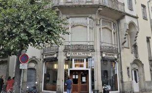Le Palais des fêtes, rue Sellénick.