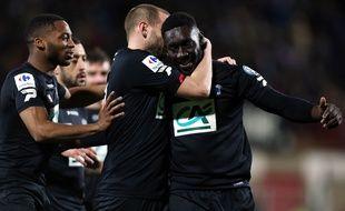 Les ex-Niçois Mathieu Bodmer et Alexandre Mendy se congratulent après le but du second nommé face à Quevilly.