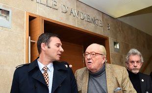 Jean-Marie Le Pen durant un procès