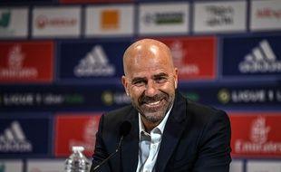 Peter Bosz, nouvel entraîneur de l'Olympique lyonnais, le 30 mai 2021 pour sa première conférence de presse au Parc OL.