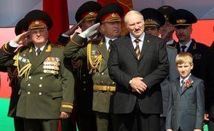 Les relations entre la Suède et le Bélarus se sont envenimées mercredi avec l'annonce par Stockholm de l'expulsion de l'ensemble des diplomates suédois à Minsk et la fermeture de l'ambassade bélarusse en Suède.